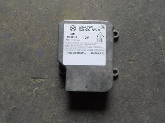Vindem calculator airbag VW Passat B5.5