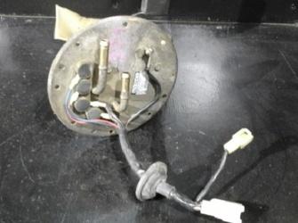Vindem pompa benzina Mazda 626 Iv (1991-1997)  model din dezmembrari , an fabricatie 1993