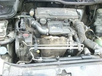 peugeot 206 5usi an 2002 motor 1.4hdi tip 8hx