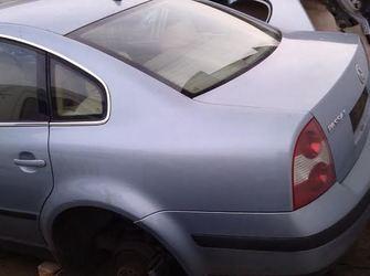 Dezmembrez VW Passat 2.0 i, alternator
