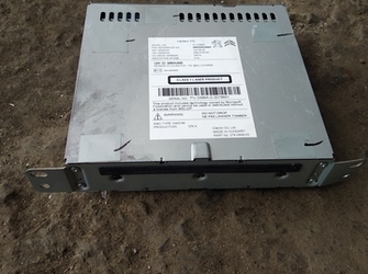 radio CD player de peugeot 308 cu cod 9805593680