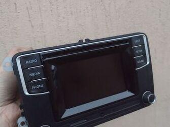 radio de vw scirocco, T6, beetle, caddy , cod : 1K8035150H ( display color - touch )