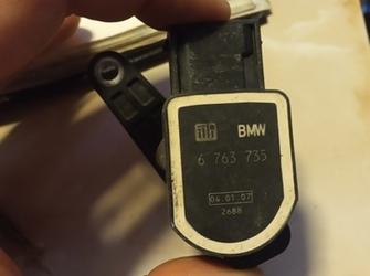 senzor de reglaj xenon de bmw E60 E81 E90 E70 etc. cod : 6 763 735