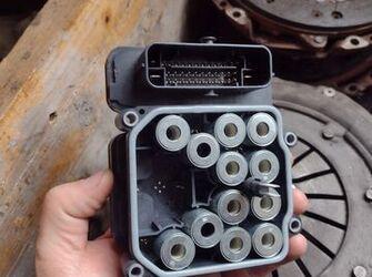 calculator pompa ABS de ford transit custom 2.0 tdci cod JK21-2C405-AD