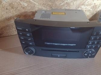 radio cd player de mercedes benz E class W211 cu cod A2118702889