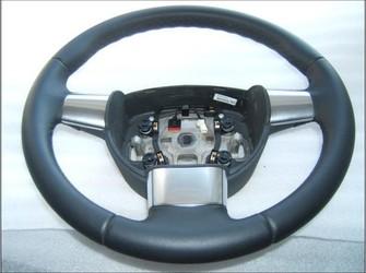 Volan piele   3 spite nou   ford focus 2 .  model 2005-2009 .