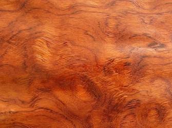 Insertii lemn pentru interioare auto, volane din lemn