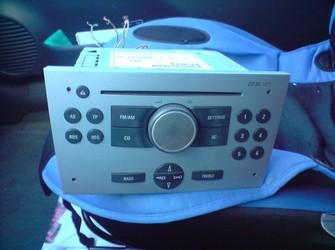 Vand radio cd cu mp3 ,pentru modelele opel corsa,vectra c ,astra h ,zafira,combo